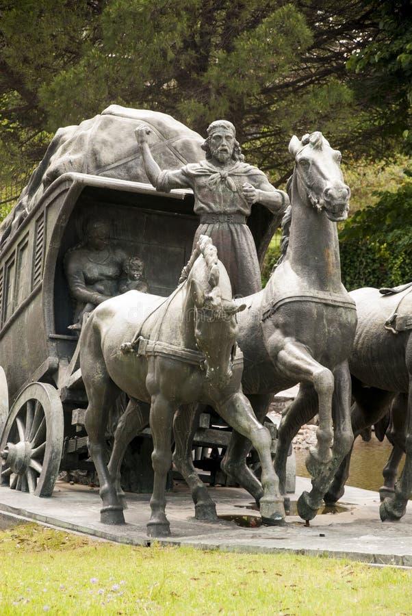 Brązowa rzeźba furgon i woły Montevideo, Urugwaj - zdjęcia royalty free