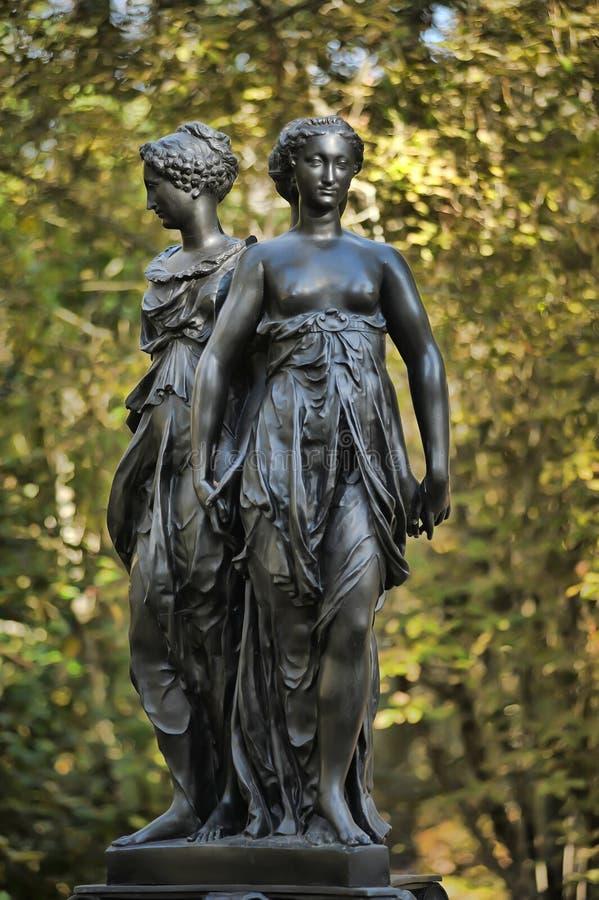 Brązowa rzeźba Trzy graci zdjęcia royalty free