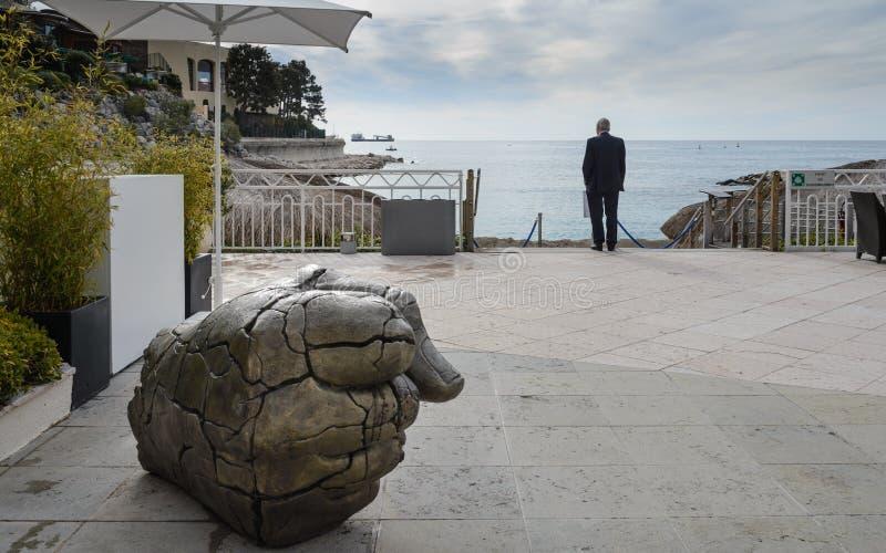 Brązowa rzeźba w Le Meridien Wyrzucać na brzeg hotelu, Montecarlo, Monaco zdjęcie royalty free