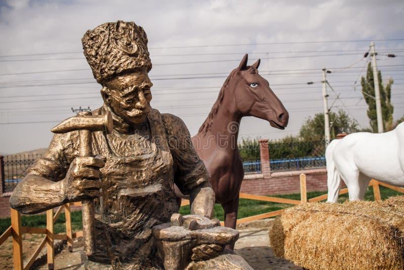 Brązowa statua niezależność Wojenni bohaterzy w Ankara obraz royalty free