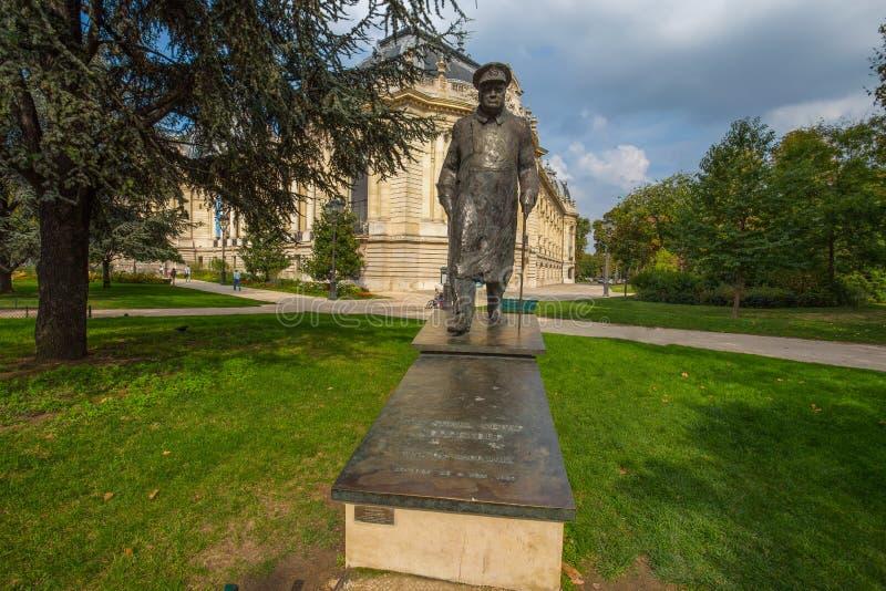 Brązowa Winston Churchill statua przy petit palais w Paryż, Francja obrazy royalty free
