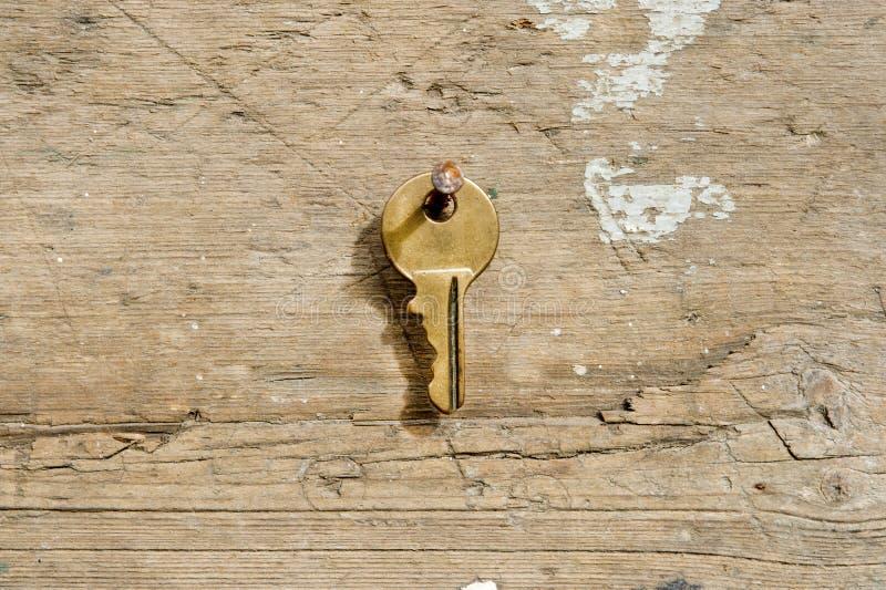 Brązowy klucz obrazy stock