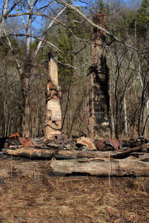 Brûlé reste photos libres de droits