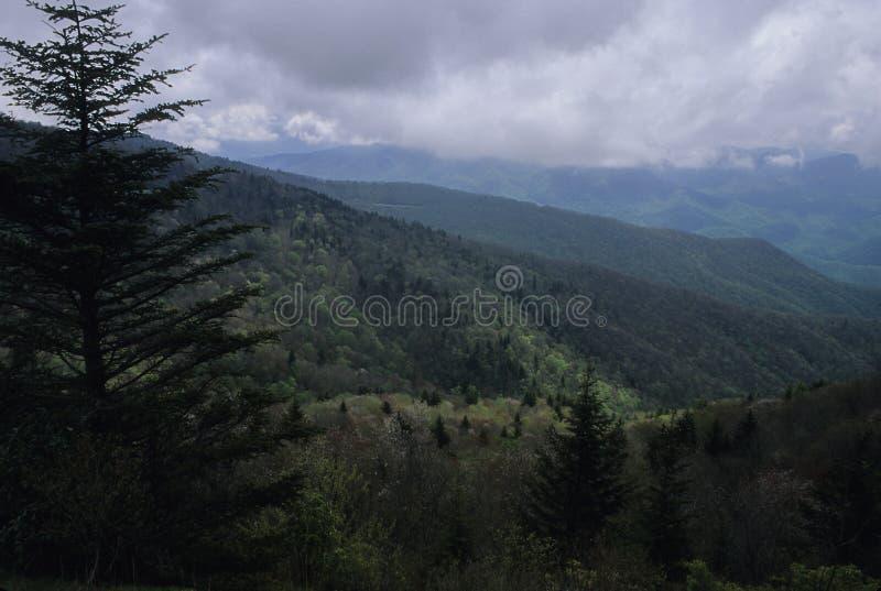 Download Br Parkway Sceniczna Wiosna Zdjęcie Stock - Obraz złożonej z chmury, chmura: 45212