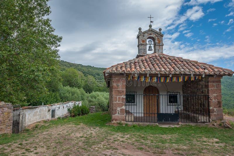 Brañosera偏僻寺院在丰特斯Carrionas国立公园  帕伦西亚 免版税库存图片
