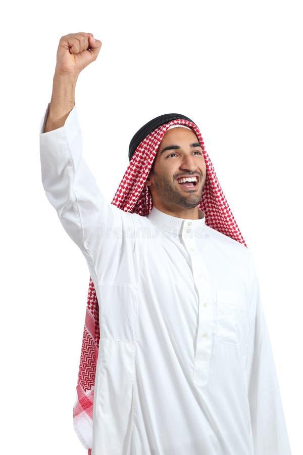 Braço de levantamento eufórico do homem árabe do saudita fotografia de stock