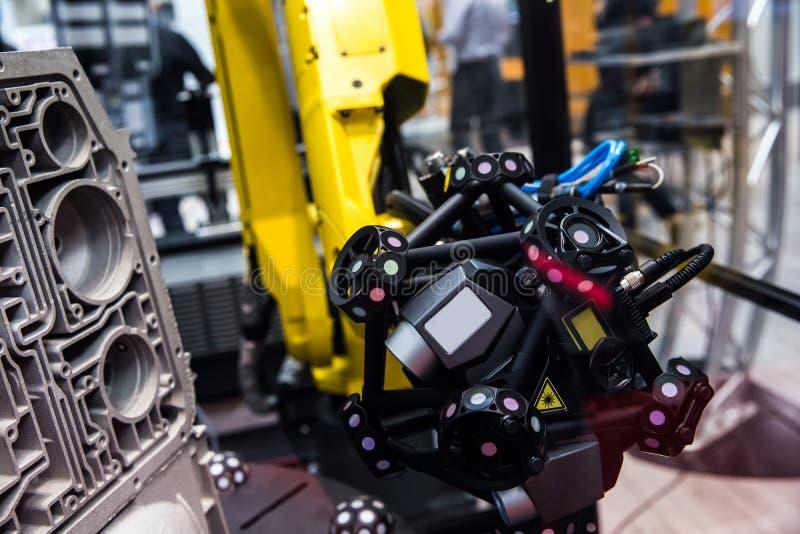 Braço do robô com sistema da exploração 3D fotografia de stock royalty free