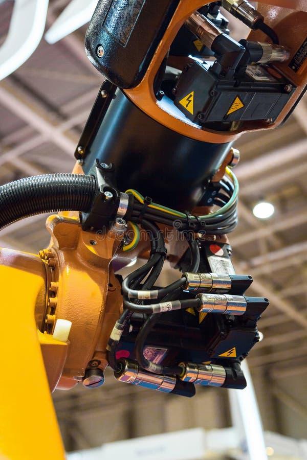 Braccio del robot industriale fotografie stock