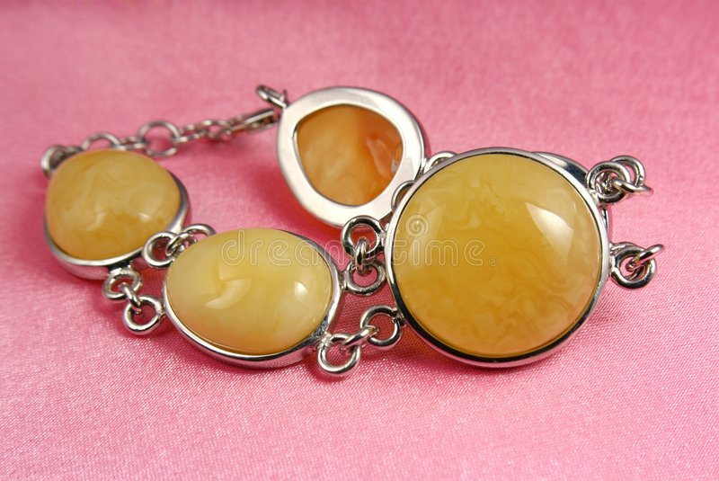 Bracelet d'ambre de bijou images stock