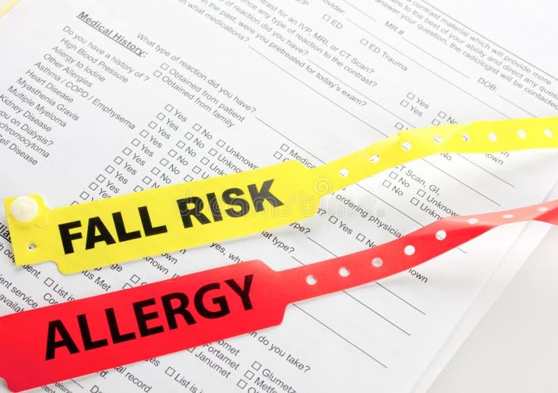 Bracelet de risque d'allergie et d'automne image stock