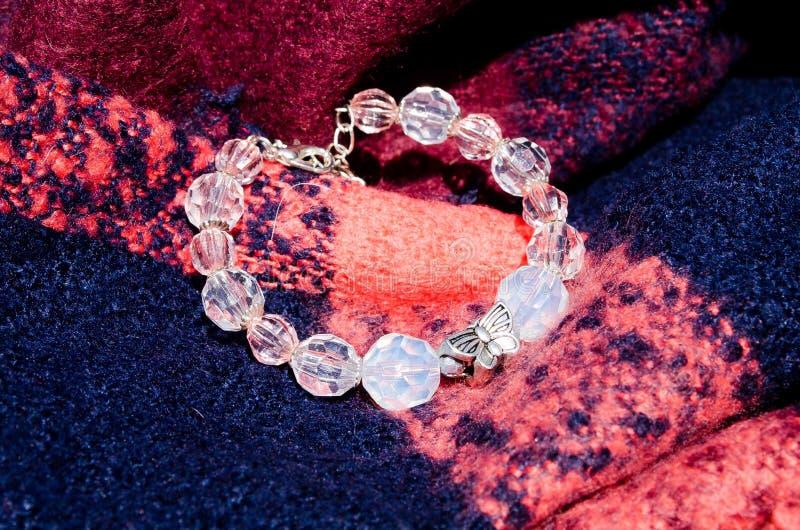 bracelet dekorationen Wulstiges Armband mondstein Empfindliche Dekoration Bijouterie lizenzfreies stockbild