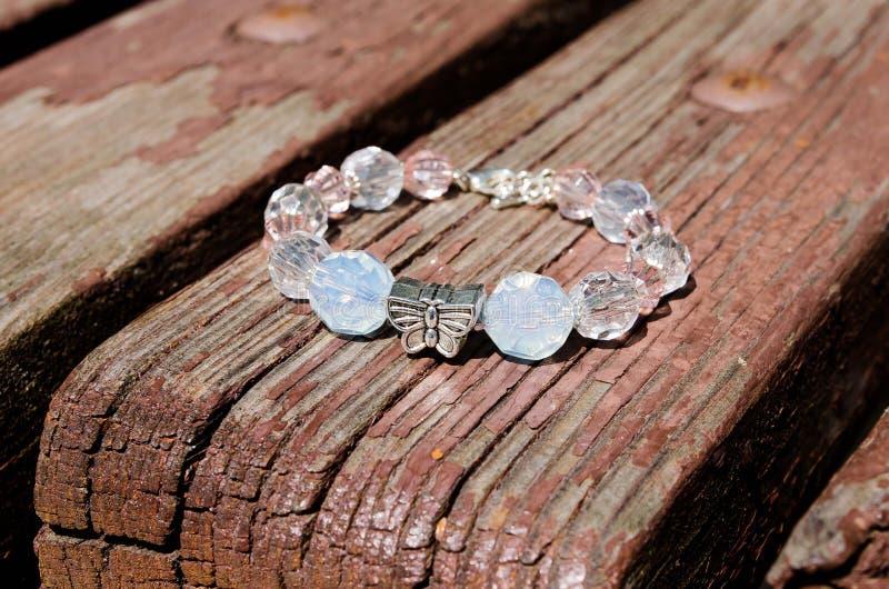 bracelet dekorationen Wulstiges Armband mondstein Empfindliche Dekoration Bijouterie lizenzfreie stockfotografie