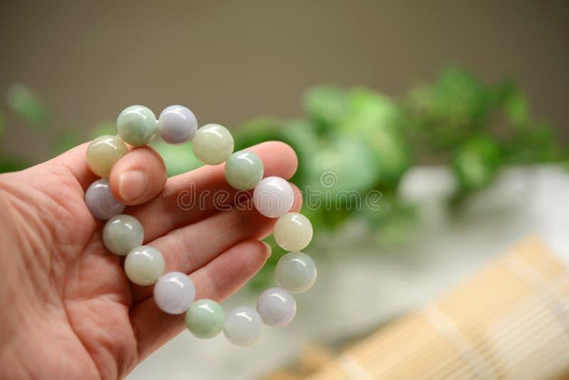 Bracelet des perles de jade photos libres de droits