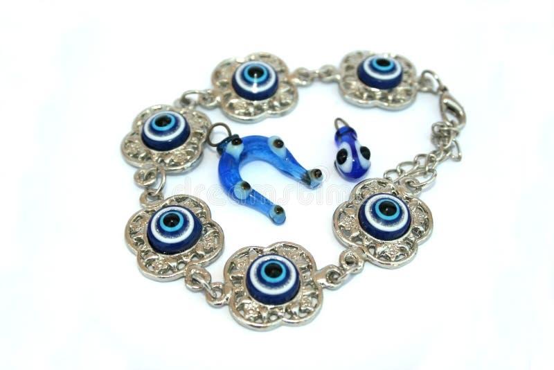 Bracelet et médaillons image stock