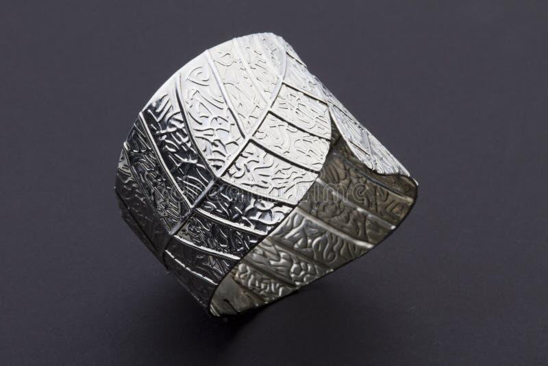 Bracelete da folha de prata foto de stock royalty free