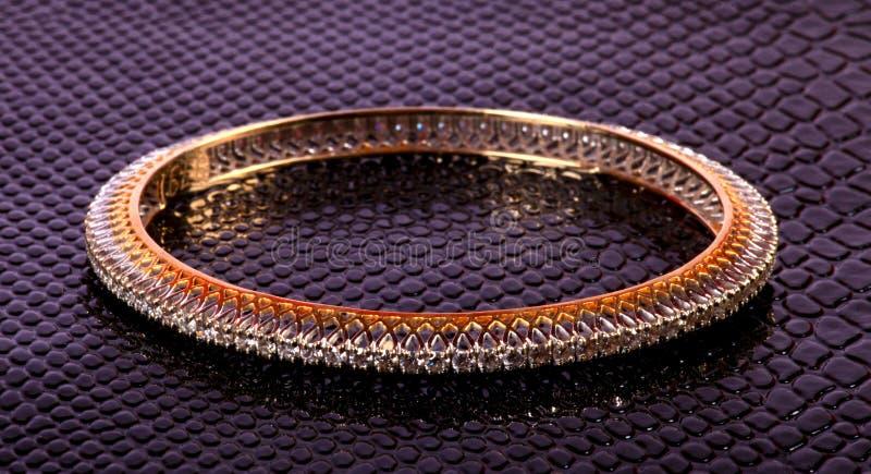 Bracelete das senhoras do diamante imagem de stock royalty free