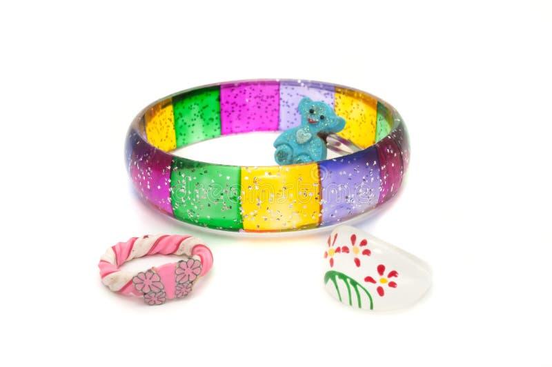 Bracelete e anéis das crianças imagem de stock royalty free