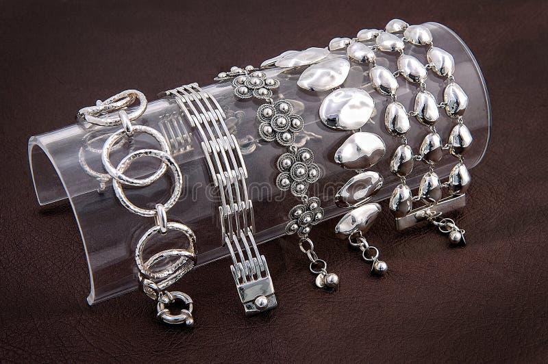 Bracelete para mulheres Aço inoxidável Grupo da prata imagem de stock