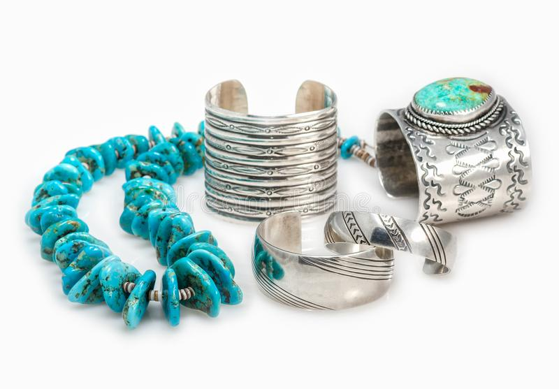 Braceletes do nativo americano e colar de turquesa fotos de stock