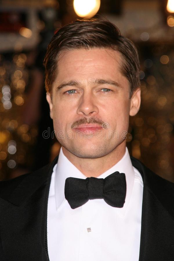 Download Brad Pitt redaktionelles foto. Bild von premiere, theater - 26357416