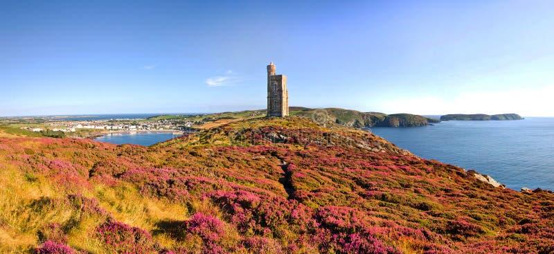 Brada gehen, Hafen Erin, Kalb von Mann - Isle of Man voran stockfoto