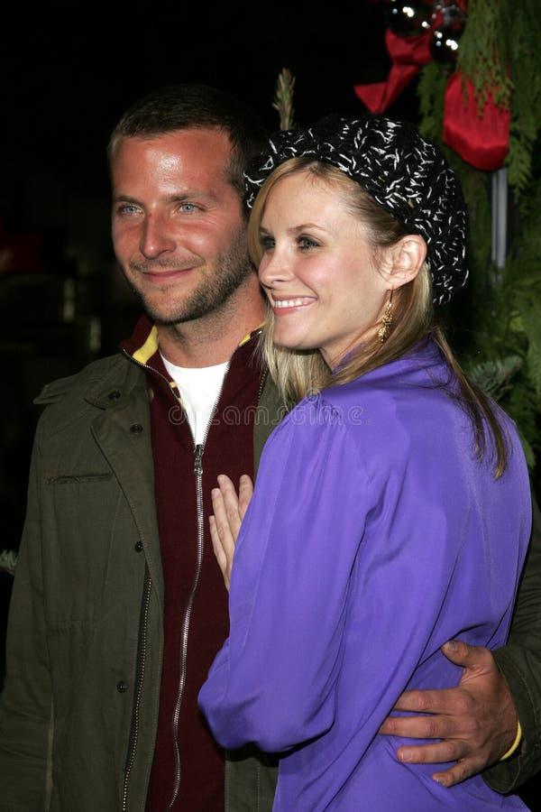 Bradley Cooper e Bonnie Somerville fotos de stock