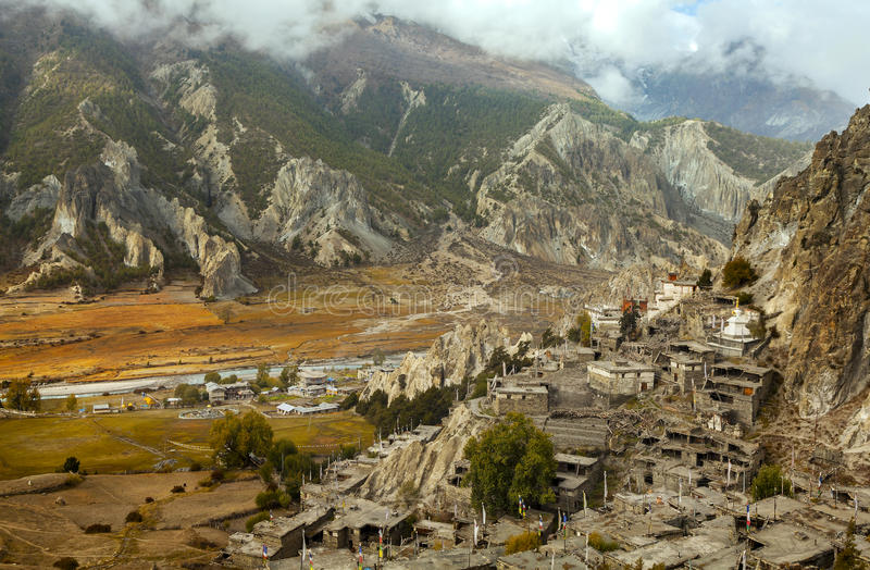 Braga, poco pueblo en el Himalaya, protección A de Annapurna imagen de archivo