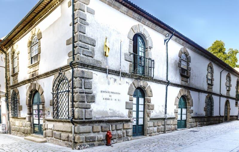 Braga Portugal Augusti 14, 2017: Fasad av ett gammalt hus i royaltyfri bild