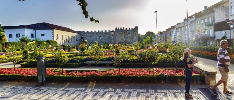 Braga Portugal Augusti 14, 2017: Santa Barbara Garden och facad royaltyfri fotografi