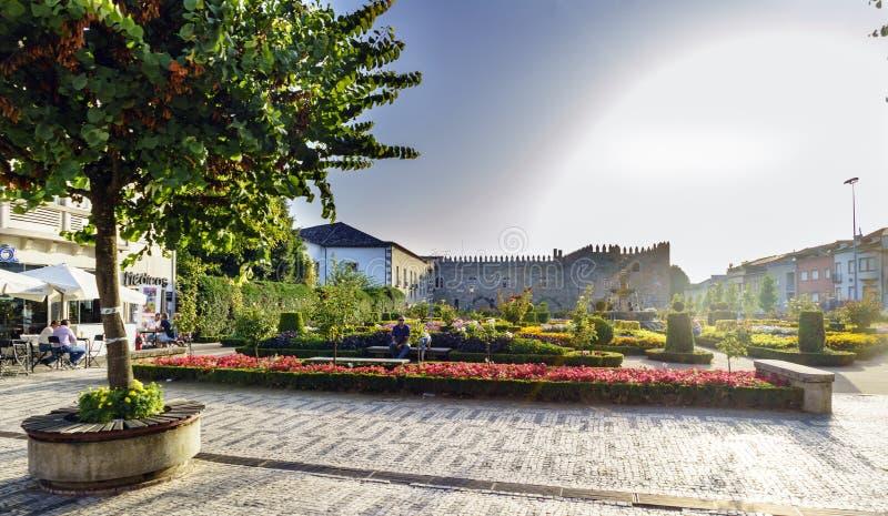 Braga Portugal Augusti 14, 2017: Santa Barbara Garden och facad royaltyfri bild