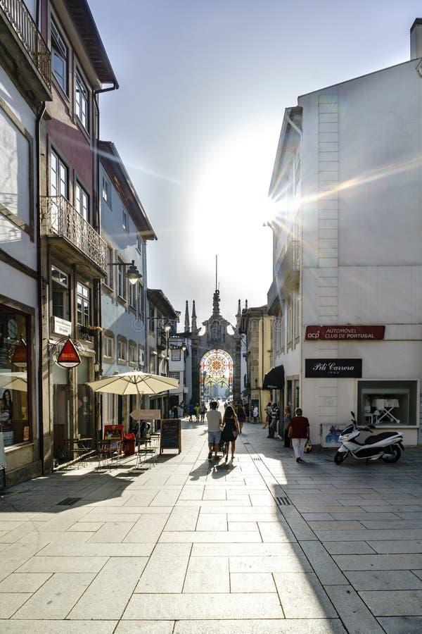 Braga, Portugal 14 augustus, 2017: Commerciële straat in oud p royalty-vrije stock foto