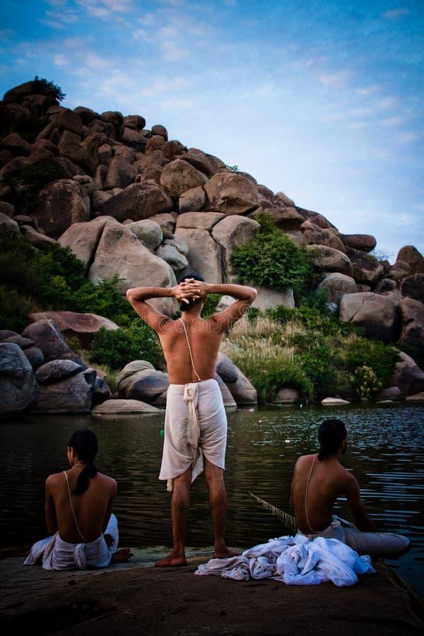 Brahman- Priester von Hampi, Karnataka, Indien stockfotos