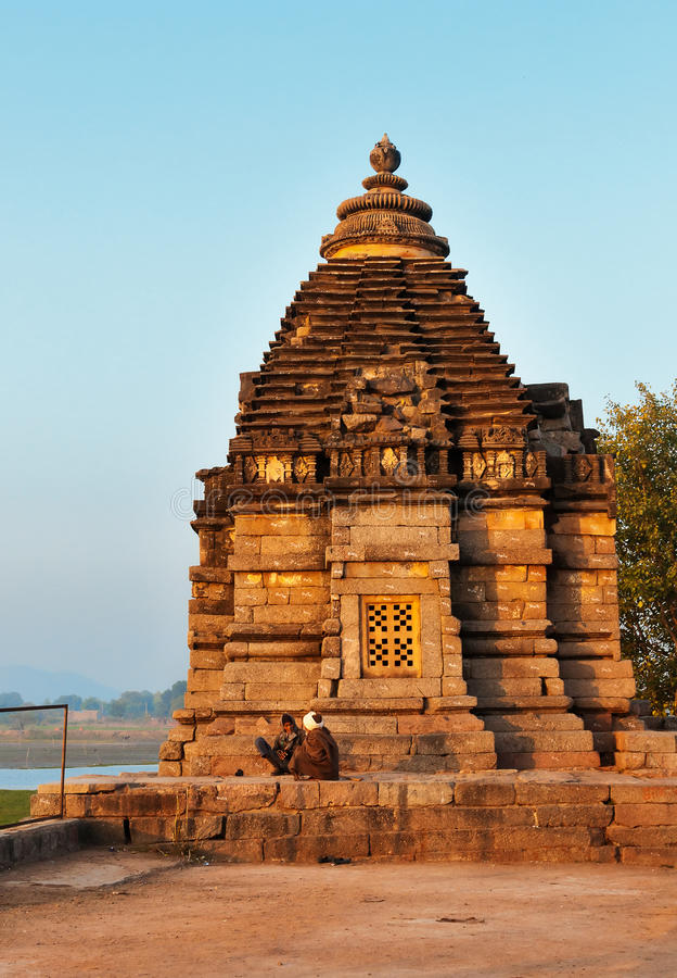 Download Brahmatempel in Khajuraho redactionele afbeelding. Afbeelding bestaande uit oostelijk - 54082555