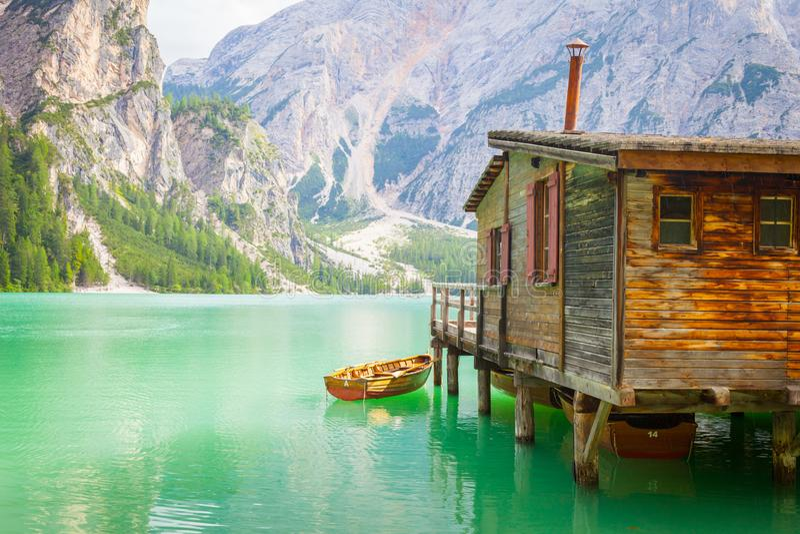Braies See in Dolomiti-Region, Italien stockfoto