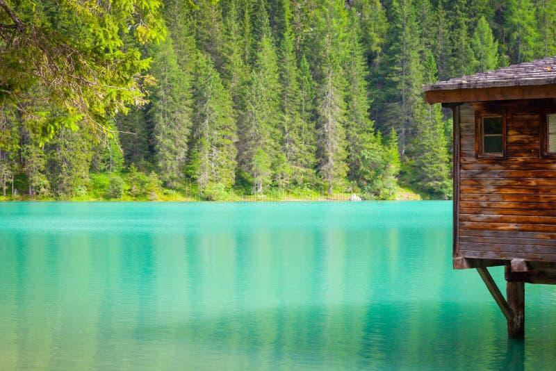Braiesmeer in Dolomiti-gebied, Italië stock foto