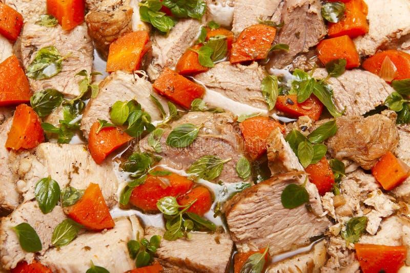 Braised pork med grönsaker royaltyfria bilder