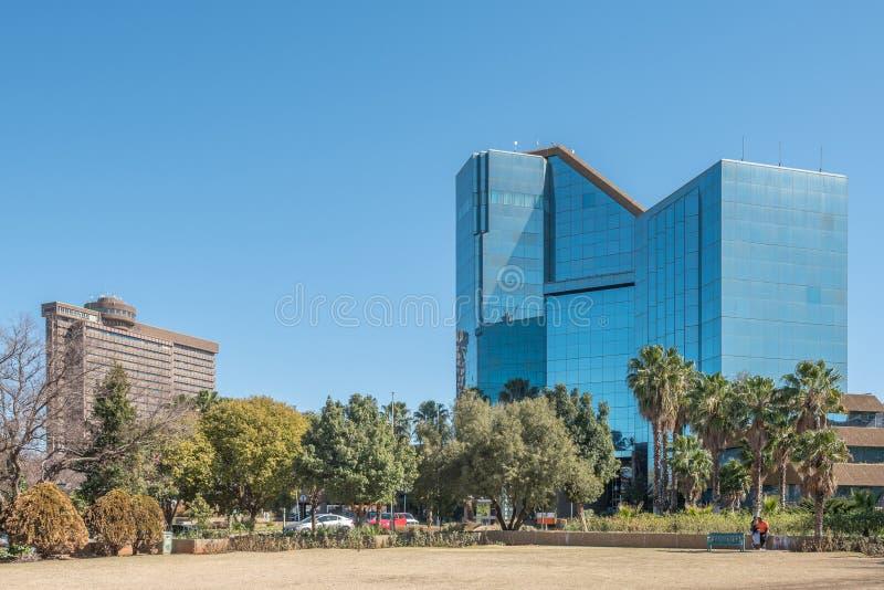 Bram Fischer Building e a construção do governo provincial fotografia de stock royalty free