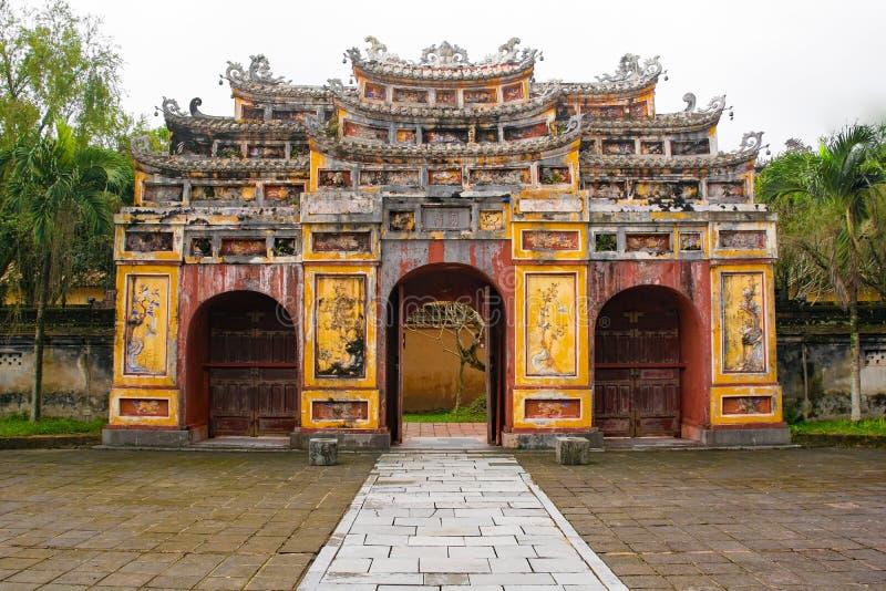 Brama Wieszający Mieu świątynia obrazy stock