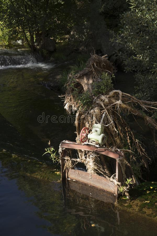 Brama zniszczony kanał po powodzi zdjęcie royalty free