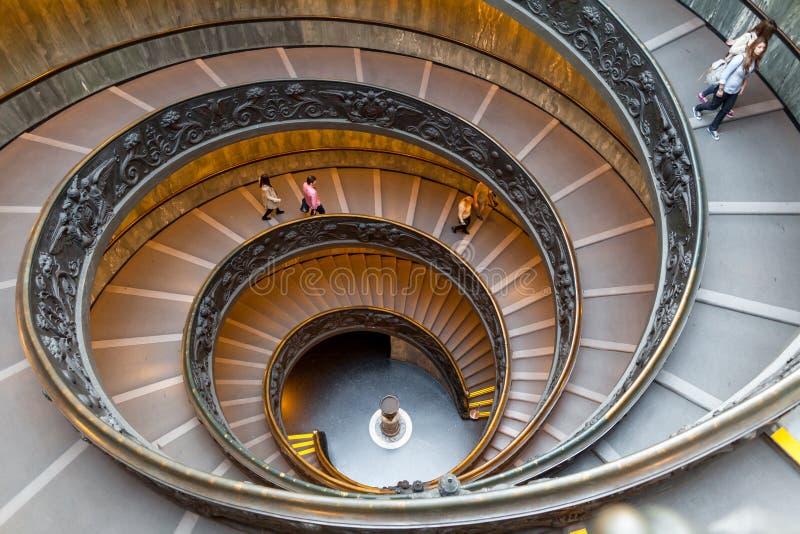 Bramante楼梯,从梵蒂冈的出口台阶 免版税库存照片