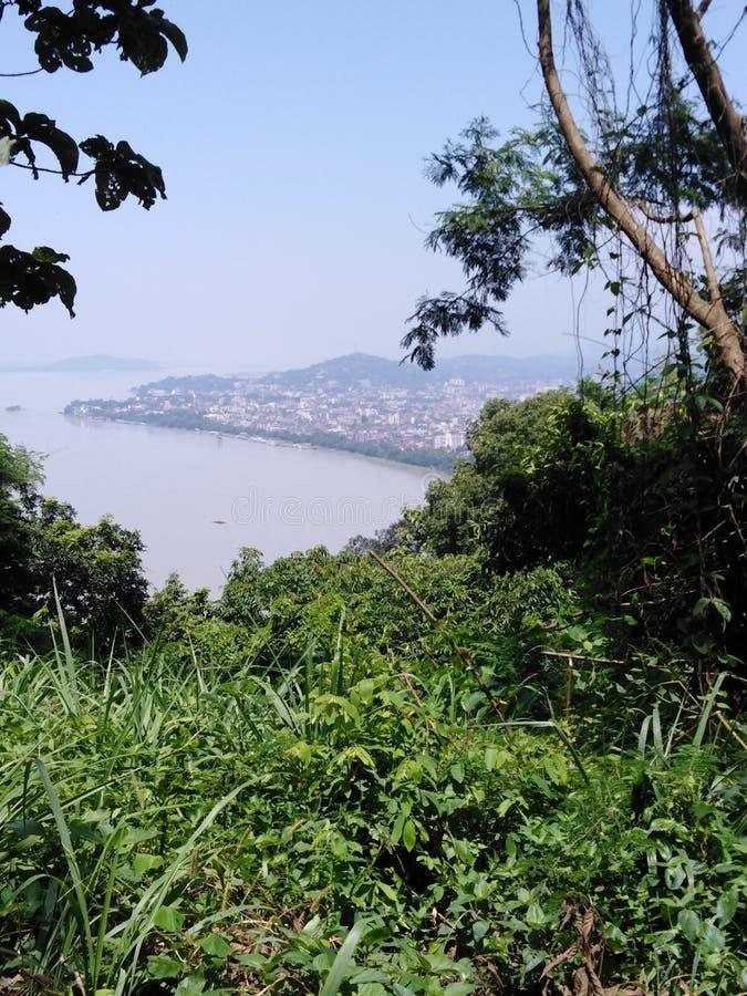 Bramhaputra从Nilachal小山的河视图 图库摄影