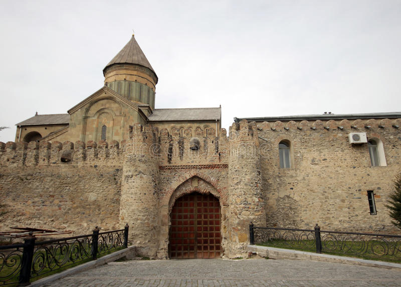 Bramy Svetitskhoveli katedra w Mtskheta zdjęcie stock