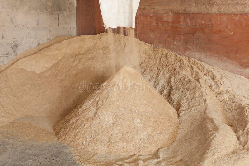 brana Ο μύλος ρυζιού στοκ φωτογραφίες
