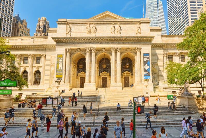 Branche principale de bibliothèque publique de New York en Bryant Park LES Etats-Unis photos stock