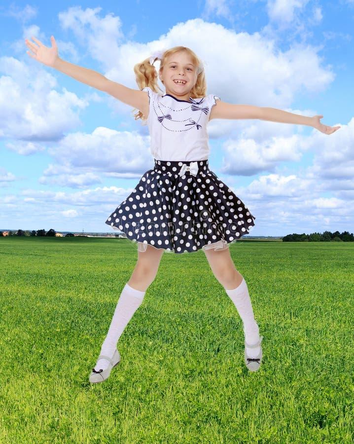 Brancher de petite fille photographie stock libre de droits