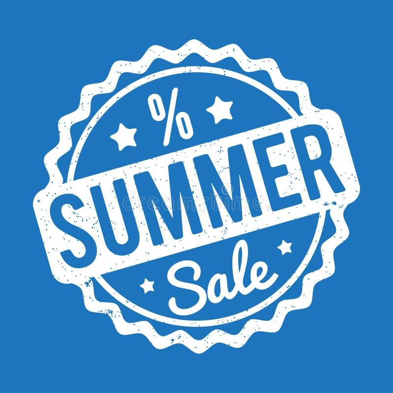Branco do carimbo de borracha da venda do verão em um fundo azul ilustração stock