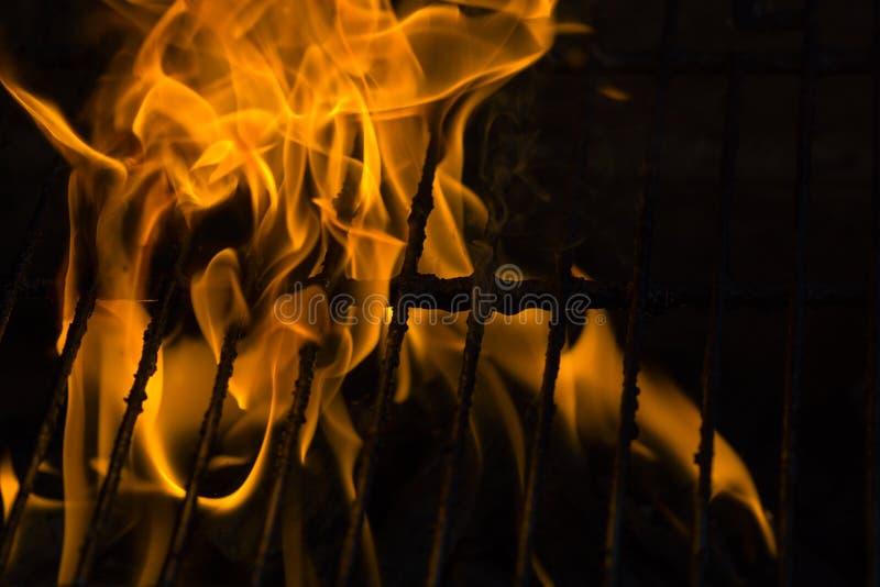 Brand bij de grill royalty-vrije stock foto