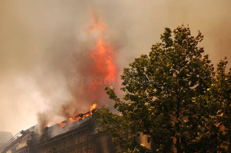 Brand in de stad stock afbeelding