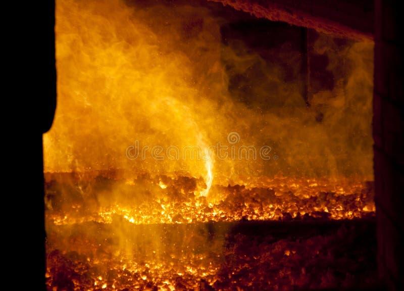 Brand in grote oven royalty-vrije stock afbeelding