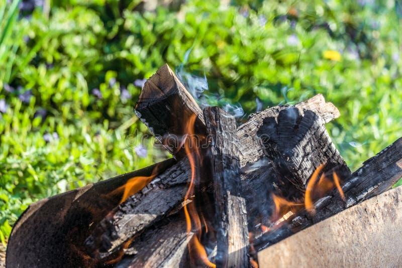 Brand Het branden opent mangal het programma royalty-vrije stock fotografie